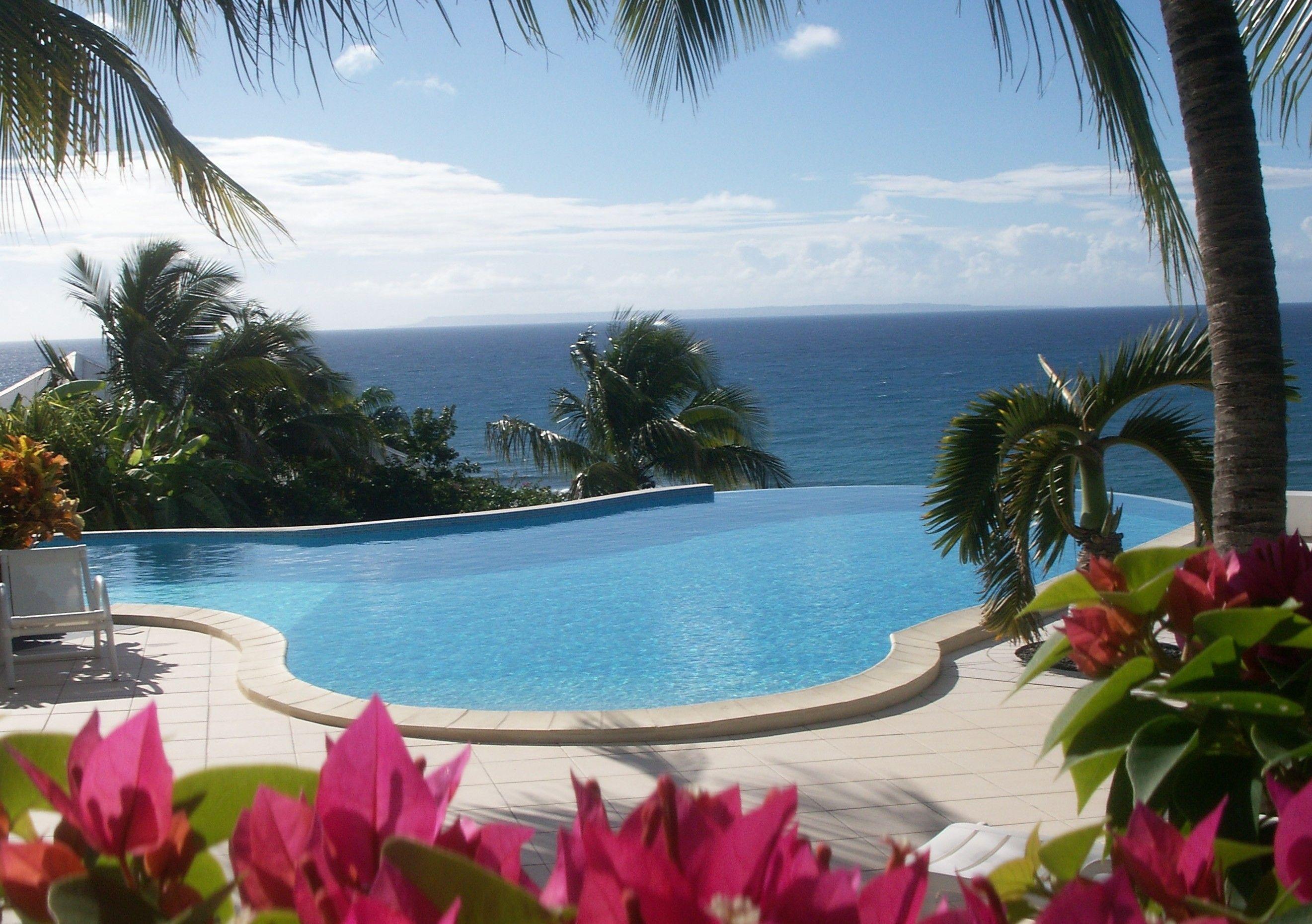La piscine de l 39 h tel for Aquarelle piscine hotel seneffe